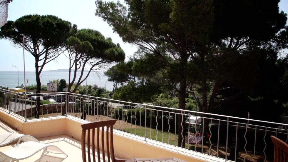 Wohnung sterlizia familien ferienhaus an der riviera for Bettsofa 180x200